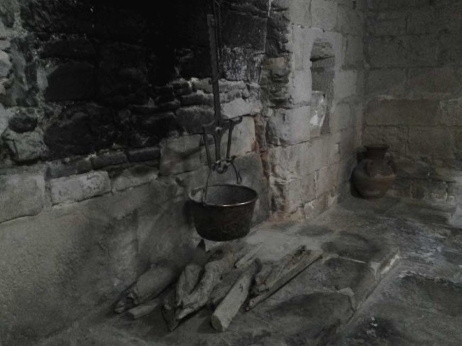 kitchen fire Poblet Monastery